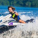 ¿Qué se necesita para llevar una moto de agua?